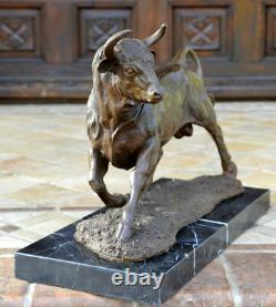 Handmade Bronze Bronze Skulptur-bronze Taurus Signed A. L. Barye On Marble Base