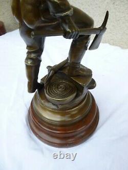 Rare Statue Bronze Marbre Le Devoir Victor Rousseau 1865-1954 Sapeur Poper