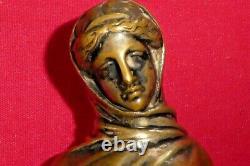 Ancienne statue en bronze doré représente une femme nue non signé socle marbre