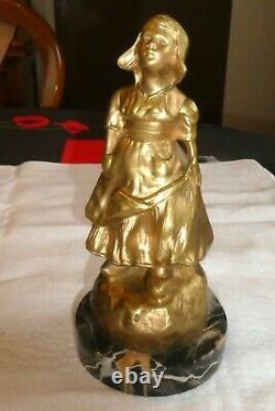 Ancienne statue en bronze doré signé G de THOUIN XIXème une femme socle marbre