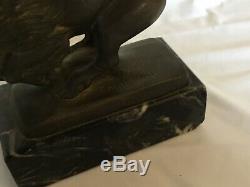# Art Déco en Bronze et Marbre Bison signés par E. Mardini