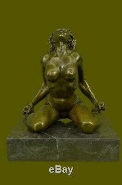Artisanal Bronze Sculpture Soldes Base Marbre sur Sexe Art Nu Érotique Signé