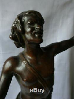 Bronze JEUNE JOUEUR DE CYMBALES signé THILLMANNI base marbre rouge debut XXeme