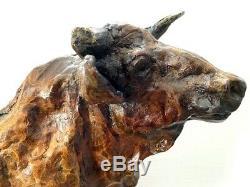 Bronzefigur-Großer Bronze Taureau Signé sur Plaque de Marbre Bariolé Patiné
