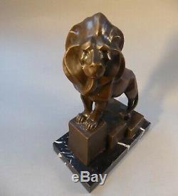 Dans Style de Art Déco Figure Bronze Animal Lion Marbre Signé Milo 32 cm Haute