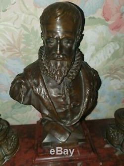 Encrier socle en marbre et bronze signé