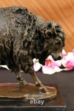 Grand Bronze Américain Buffalo Sculpture Figurine Sur Marbre Base Signé Milo