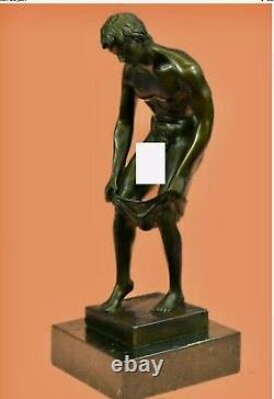 Homme nu Sculpture Bronze Très Bien pourvu. Base Marbre. Ht 28 Cm. Naked Gay Man
