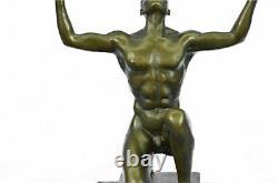 Moderniste Abstrait Bronze Mâle Chair Sculpture Signé Mi Siècle Marbre