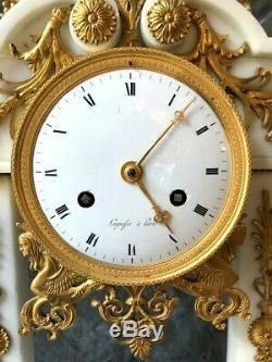 Pendule portique époque EMPIRE signé LAGUEFSE à PARIS marbre blanc bronze doré