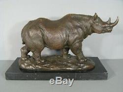 Rhinocéros Sculpture Contemporaine Signée Bubian Statue Animalière En Bronze