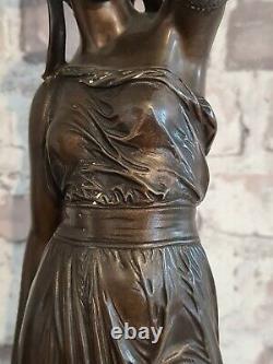 STATUE CANDELABRE BRONZE FEMME ANTIQUE SUR MARBRE signé BOURET XIX E Haut 60 cms