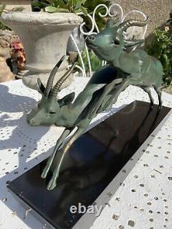 Sculpture Statue Art Deco GAZELLES ANTILOPES EN FUITE signe PLAGNAT