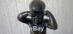 Sculpture en bronze enfant pleurant signée 26 cm avec socle en marbre