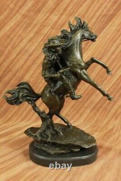 Signé Ouest Cowboy Avec Tronçonnage Cheval Bronze Sculpture Marbre Base Fonte