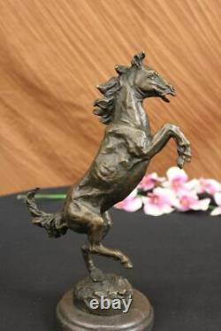 Signée Barye Excited Élevage Cheval Bronze Marbre Sculpture Racing Figurine