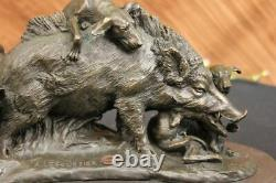 Signée Bronze Marbre Sauvage Sanglier Chasse Chiens Animal Sculpture Figure Art