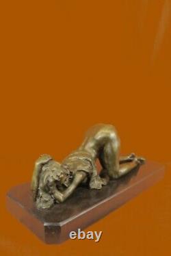 Signée Bronze Sculpture Art Déco Chair Très Détaillé Érotique Statue Sur Marbre