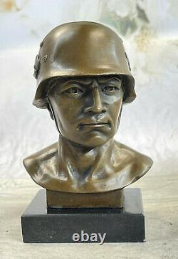 Signée Fisher Allemand Soldat Guerrier Bronze Marbre Sculpture Statue Figurine