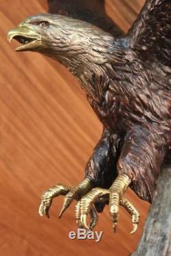 Signée Moigniez Large American Eagle Fonce Vers Sol Marbre Base Sculpture