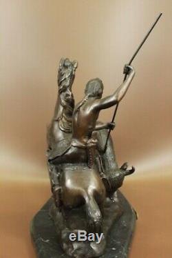 Signée Remington Native Américain Hunter Buffalo Bronze Sculpture Marbre