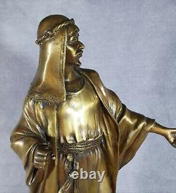 Statue en bronze style ancien sur socle en marbre noir Arabe