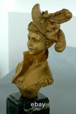 Très beau buste en bronze signé